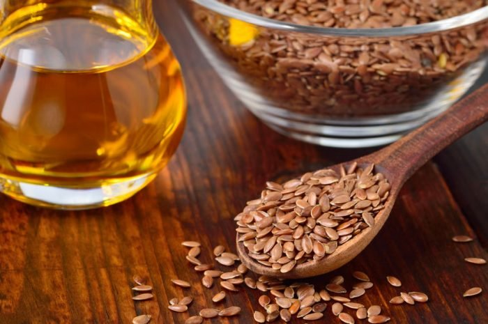 10 Ways To Add Flaxseed To Your Diet (And Why You Should!)