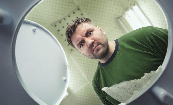 Why Is My Poop Green? (8 possible causes of green poop)