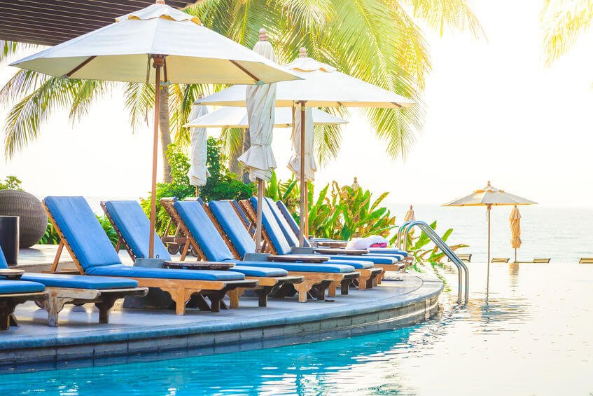 hotel pool | Nucific
