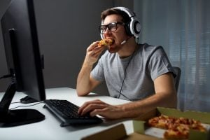 man eating pizza | Nucific